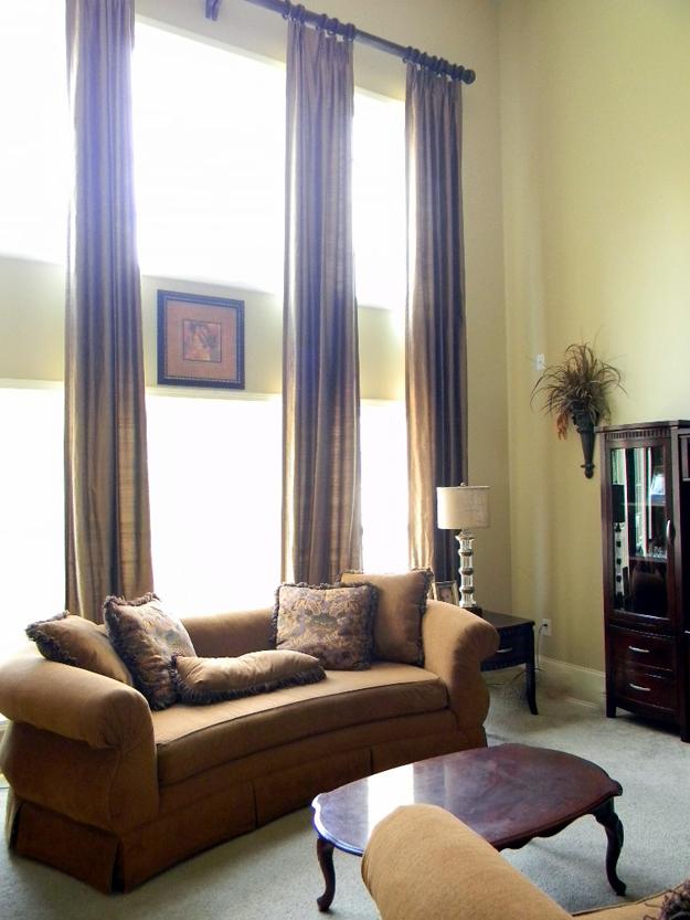 Lovely Window Treatment Ideas for Family Room