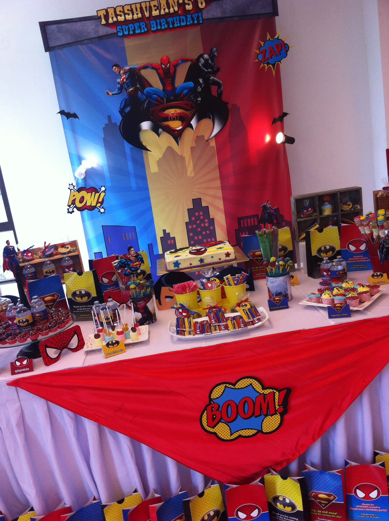 A Superhero Themed Birthday Party Design And Setup By Parteeboo