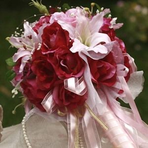 Incomparable Red and Pink Silk Cloth Wedding Bridal Bouquet #silkbridalbouquet Sumptuous Red and Pink Silk Cloth Wedding Bridal Bouquet #silkbridalbouquet