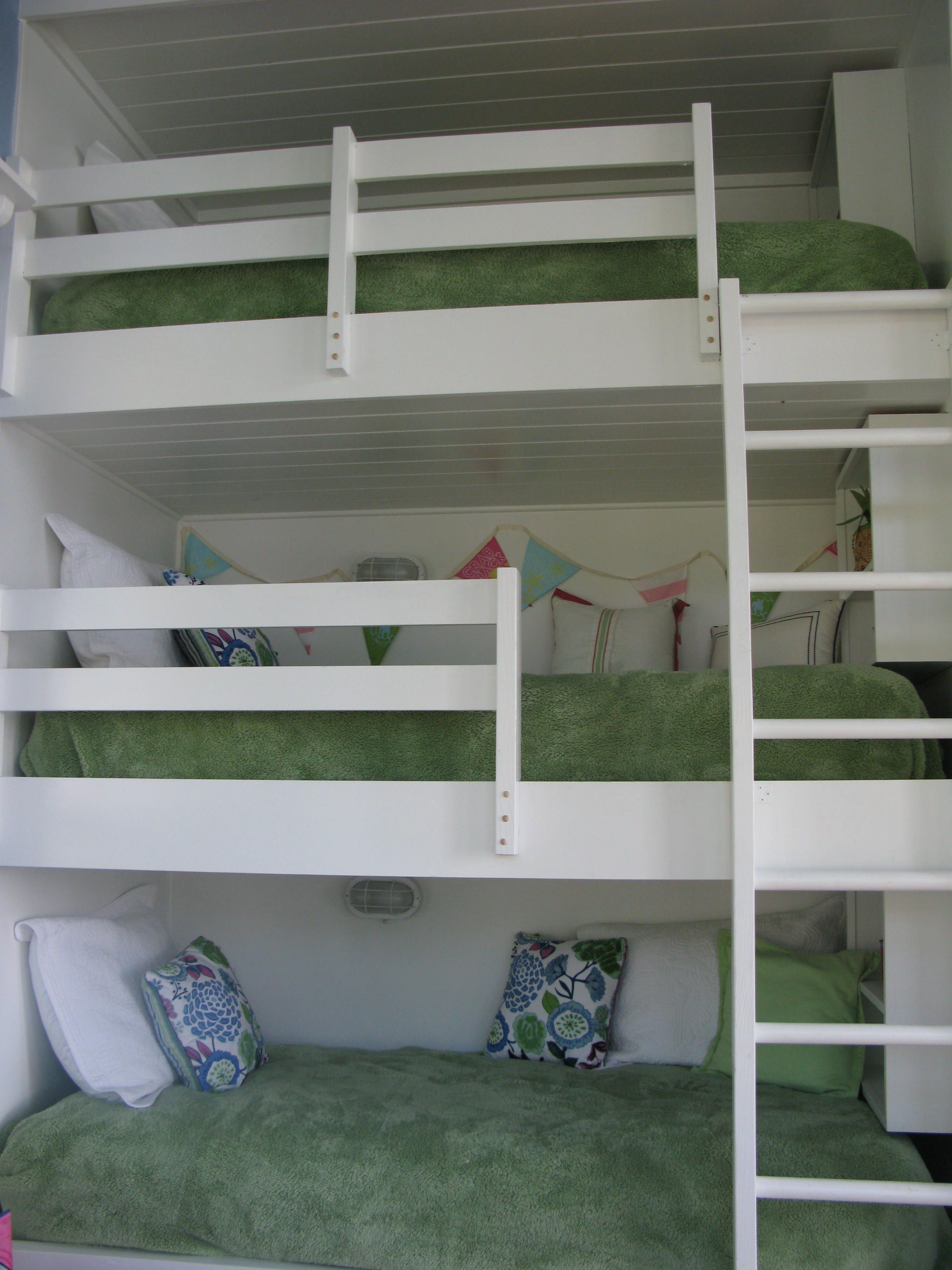 Triple Built In Bunk Beds Each Has Its Own Book Shelf