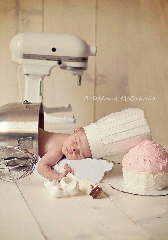 someone pinned this as being cute...I think it's creepy as hell! It looks like there was a horrible kitchen accident!