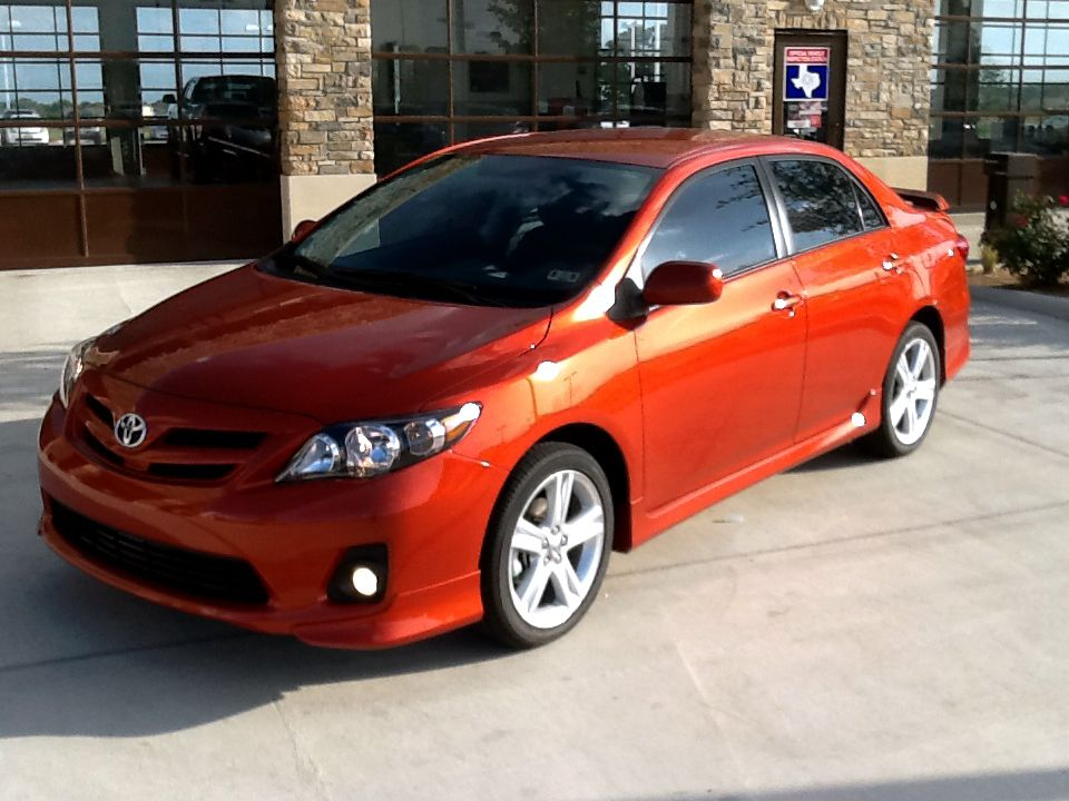 We Got A Very Cool Special Edition Corolla Check It Out Just The Facts The 2013 Toyota Corolla Le Special Edition Toyota Corolla Toyota Corolla Le Toyota