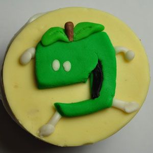 100 Games Cupcake Game Apples To Apples Apple Cake Food