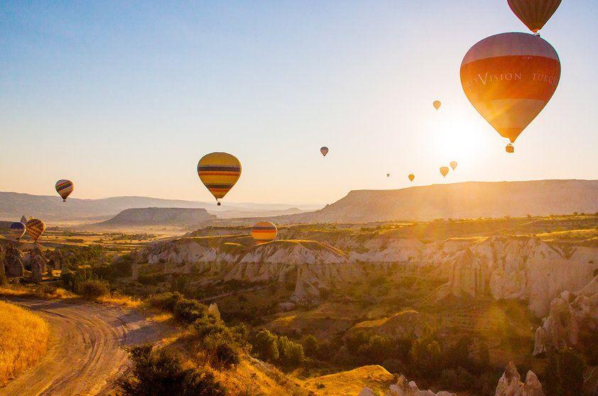 Lugares incríveis para um passeio de balão - Capadócia (Turquia) | Amazing places for a hor air balloon ride - Cappadocia (Turkey) # Balão - Balonismo # Balloon - Ballooning
