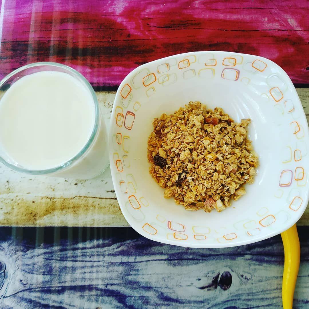 Musli ve yarım yağlı süt 👍 diyet baslasin 🙏🤗 . . . #diyet #kiloverme #diyetisyen #spor #fitness #ist...
