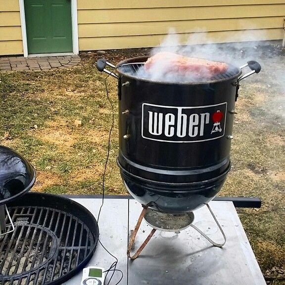Mini Smoker Made With Smokey Joe Weber Grill And A Vasconia Pot Cocinas Al Aire Libre Ahumado Aire Libre