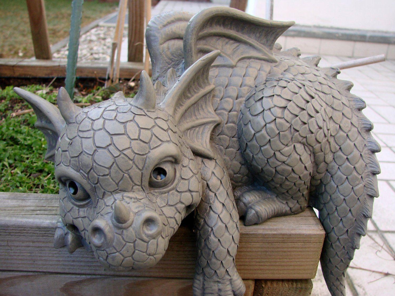 statue de jardin en forme de dragon pour bordure gauche jardin dragons pinterest. Black Bedroom Furniture Sets. Home Design Ideas