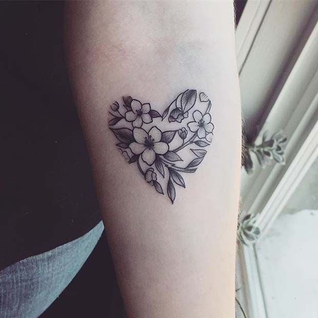 Floral Heart Design For Flower Tattoo Ideas For Women Tatuajes Florales Tatuajes Chulos Tatuajes De Flores
