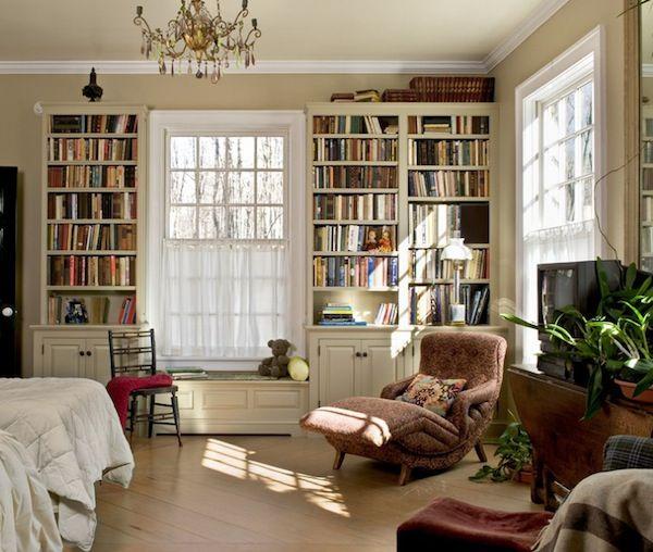 Builtin Bookshelves Bedroom Ideas Decoist Bookshelves In Bedroom Traditional Bedroom Design Bookshelves Built In