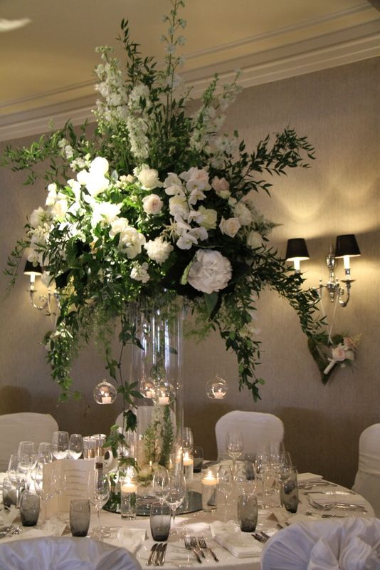 Inspirational Flower Design Events The Epic Floral Tale of Sam & Lily s Breathtakingly Beautiful Wedding at - Best of beautiful table centerpieces Simple