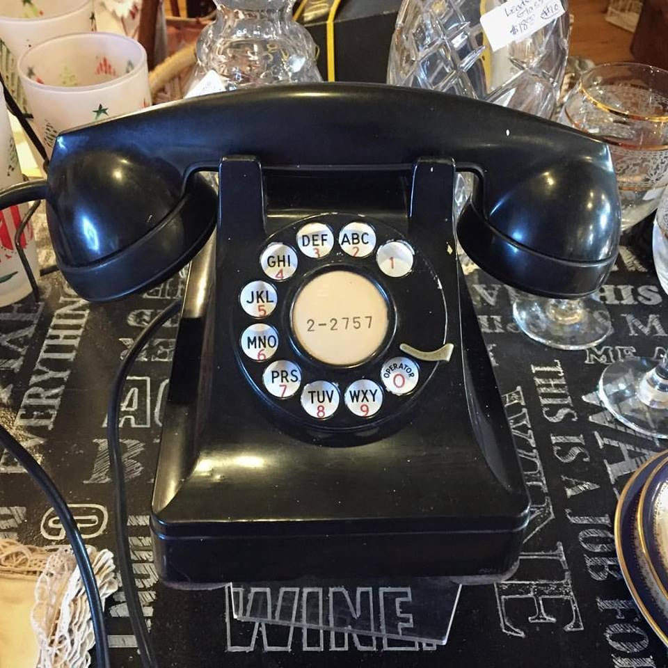 Collect Vintage Phones Add Retro Beauty
