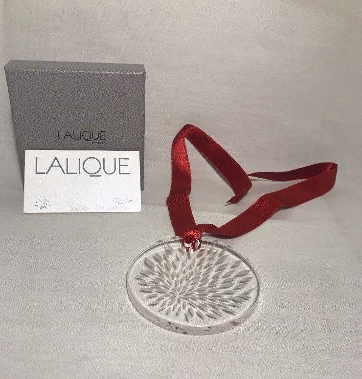 Lalique Christmas Noel Ornament Clear Vibration Crystal in