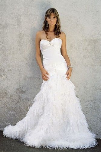 Ostrich Feather Wedding Dress With Images Wedding Dress With