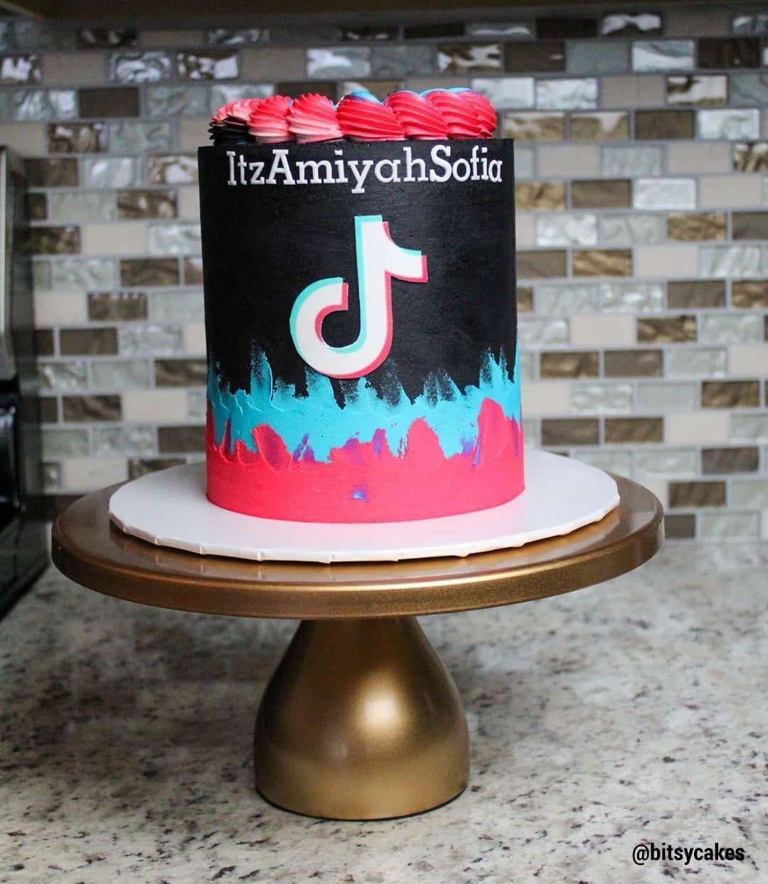 13 Cute Tik Tok Cake Ideas Some Are Absolutely Beautiful 14th Birthday Cakes 12th Birthday Cake Unique Birthday Cakes