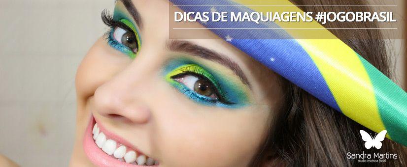 """Meninas \o/ E hoje é jogo do Brasil!!! Muita agitação, expectativas e encontros com amigos. Mas para quê pintar o rosto com tinta se você pode arrasar com uma maquiagem do Brasil linda para torcer pela seleção? Para te ajudar e inspirar segue abaixo uma galeria de opções para você #arrasar em um dia tão importante quanto esse! Dica para quem está com a """"sobrancelha"""" em dia :D   http://studiosandramartins.com.br/"""