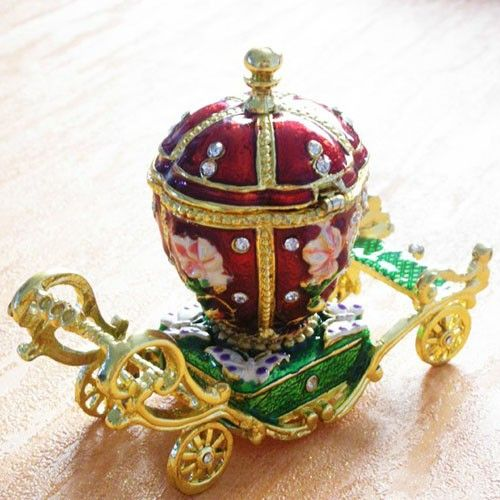 Collectible Carriage Alloy Diamond Jewelry Accessory Box Decoration