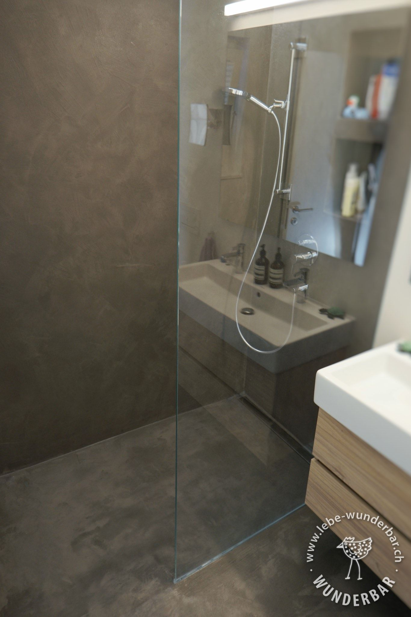 Bodengleiche Dusche Im Beton Look Nassbereich Badezimmer Zurich Lebewunderbar Badezimmer Aufbewahrung Badezimmerboden Badezimmer