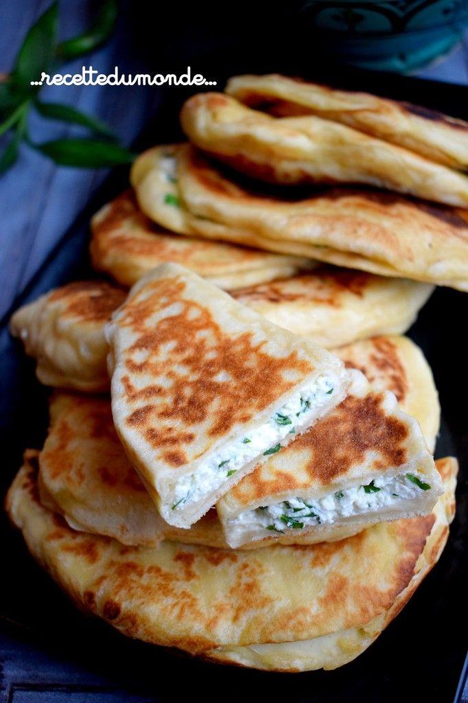 Gözleme - crêpes Turque - farcies Feta persil - ...recette du monde... #recettesdecuisine