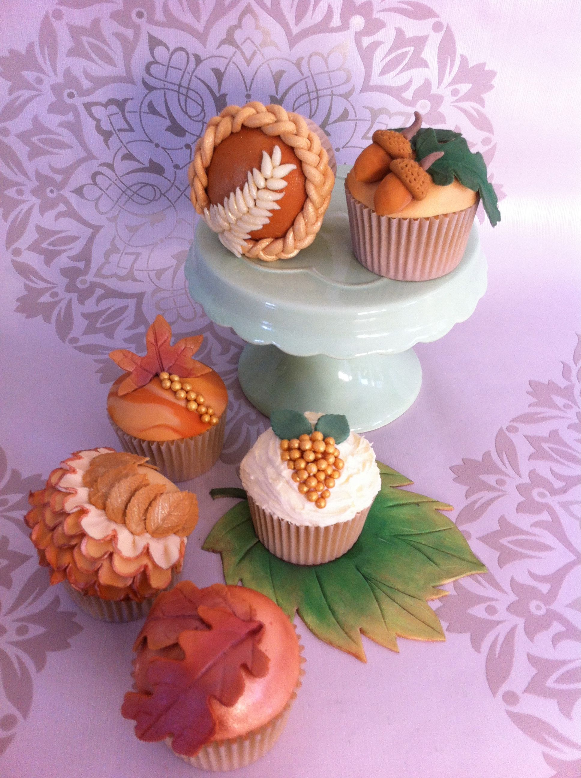 Autumn Leaf cupcakes by CakeyBakey Boutique