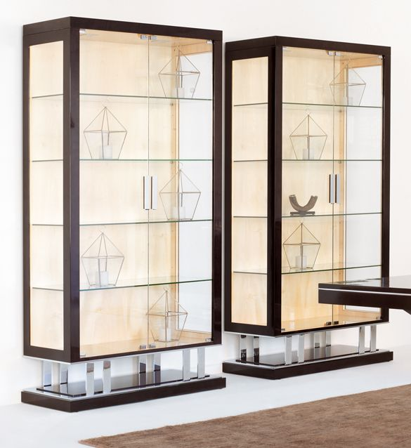 Luxury Champagne Leaf Double Door Display Cabinet Juliettes Interiors Design De Moveis Design Decoracao