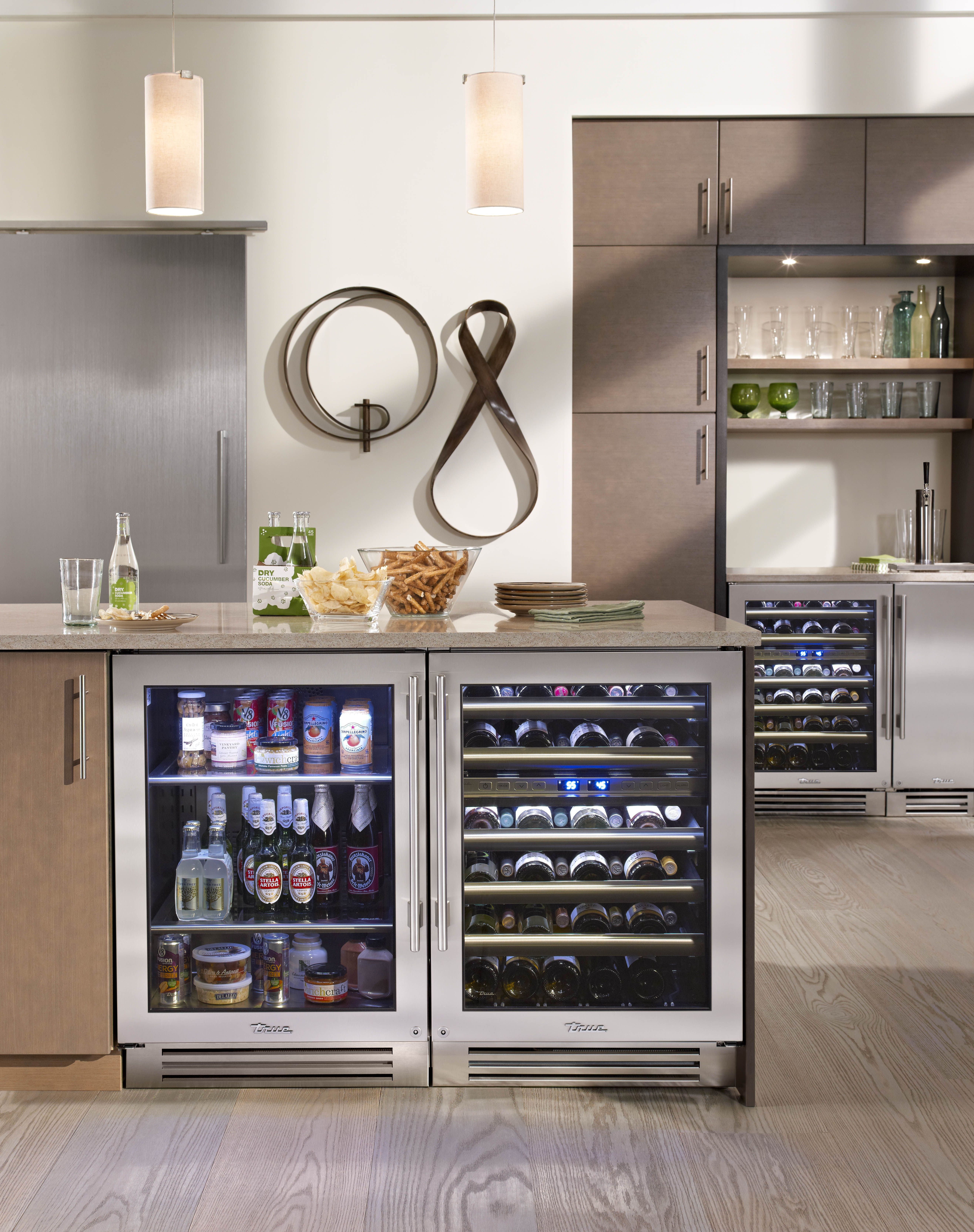 Lake Tahoe kitchen with True Residential 24 Beverage Center Dual – Kitchen Beverage Center