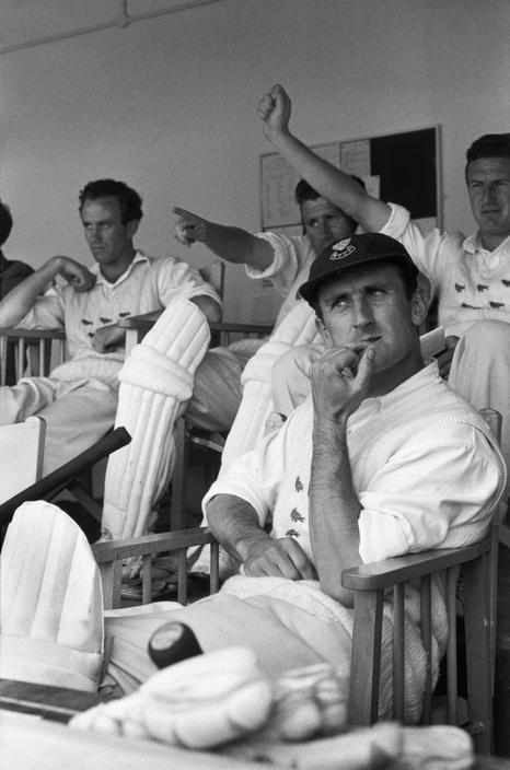 Henri Cartier-Bresson, Le joueur de cricket anglais Ted Dexter, Grande-Bretagne, 1961. © Henri Cartier-Bresson/Magnum Photos.