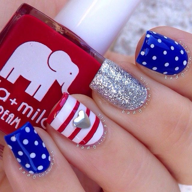 """Flag nails featuring all @ellamilapolish polishes ✨ @ellamilapolish is offering my followers 15% off for Memorial Day weekend, just enter the code EMBG15 at checkout their polishes are AMAZING, 5 free, and never tested on animals sale ends on Monday at 12AM PST so go check them out☺️ Polishes used: """"Bad Obsession"""" Red """"Bags Are Packed"""" Blue """"Pure Love"""" White """"On Thin Ice"""" Silver Glitter"""