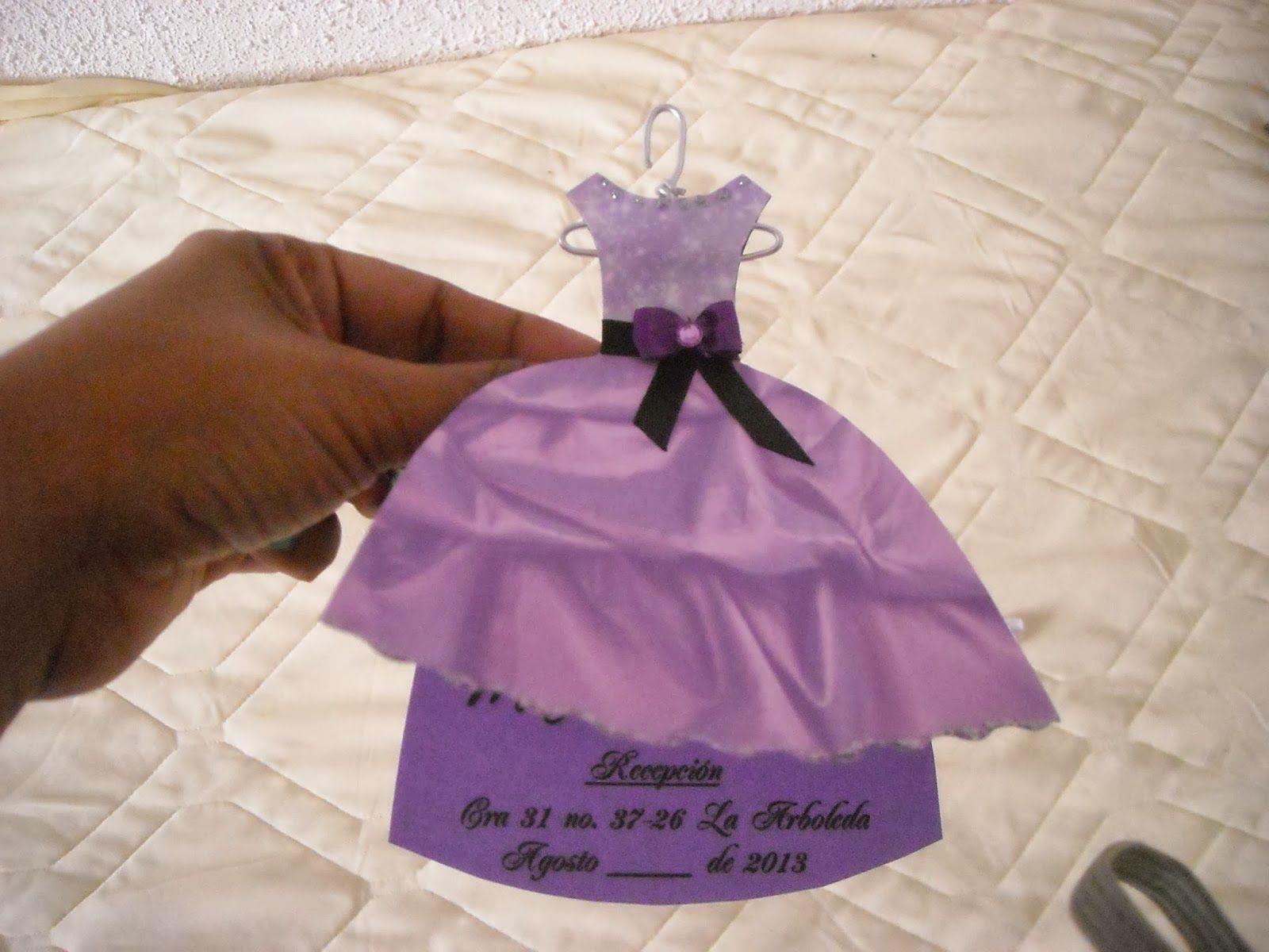 Tarjetas de invitación 15 AÑOS, representa el vestido de la ...