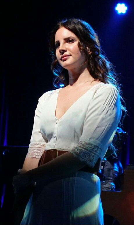 Lana Del Rey performing at the SXSW festival in Texas #LDR