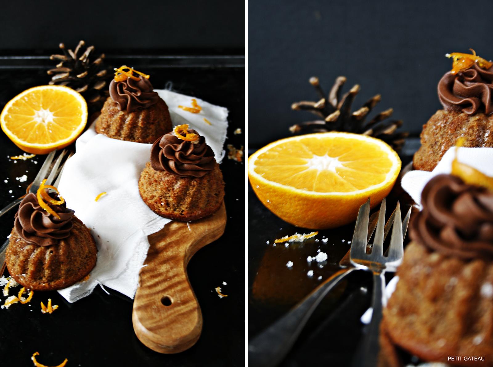 Petit Gateau: Orangen-Gugl mit Schokoladenganachetopping