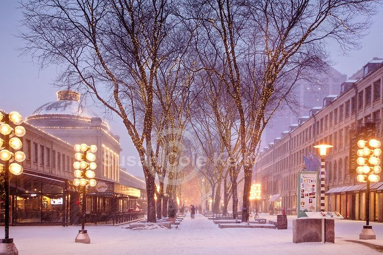 Christmas snow at Quincy Market, Faneuil Hall Marketplace, Boston National Historical Park, Boston, MA, USA