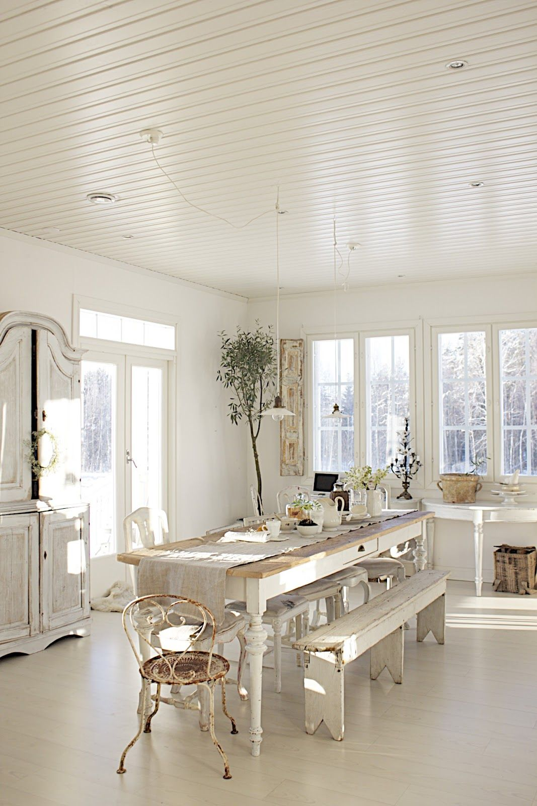 Modern dining room design and decorating in vintage style for White dining room decor