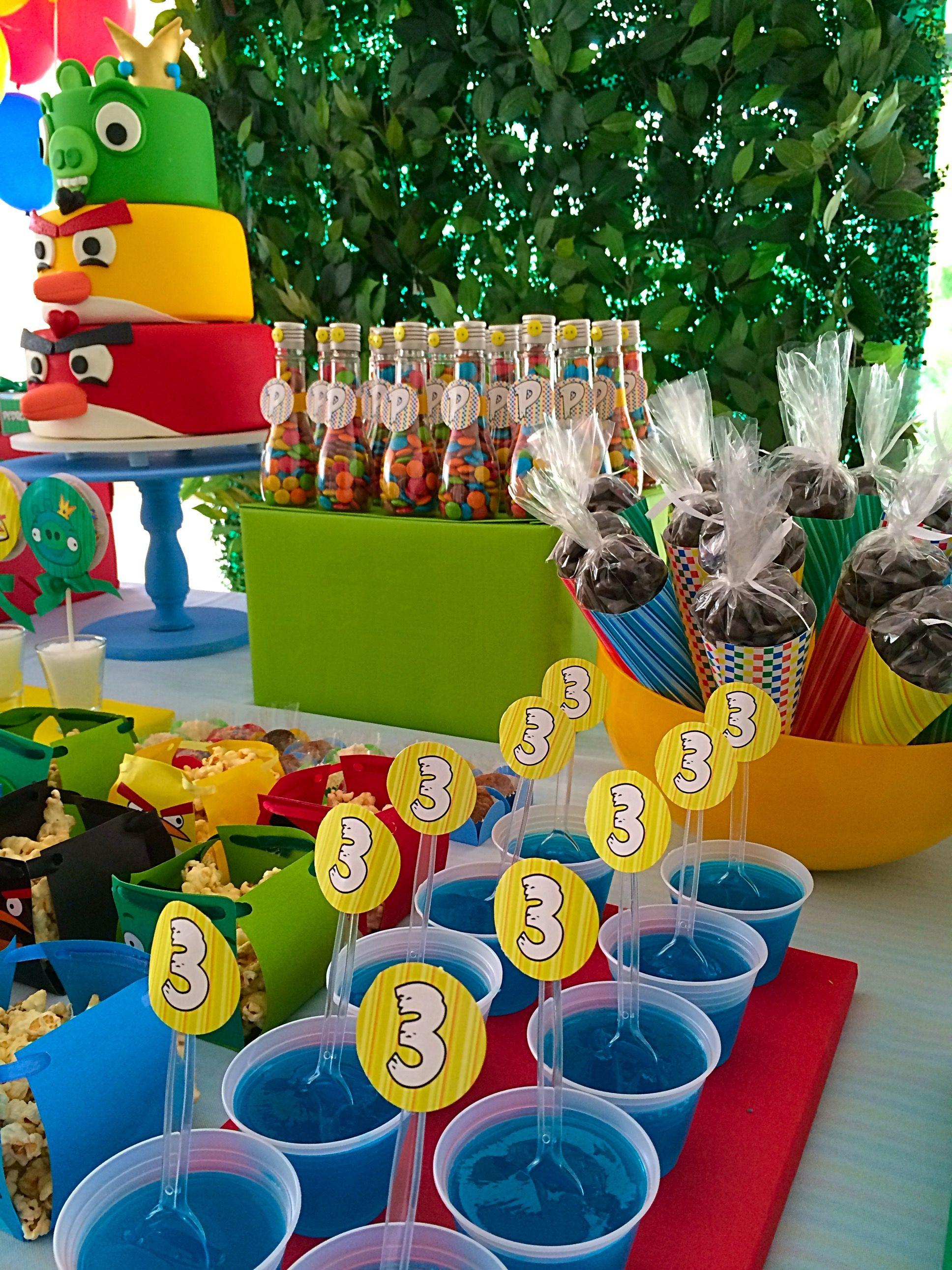 Gelatina mágica que não derrete! Na Tribo da Festa, é assim: bonito, delicia e com amor!  www.tribodafesta.com.br  #festainfantil #mesadecorada #angrybirds
