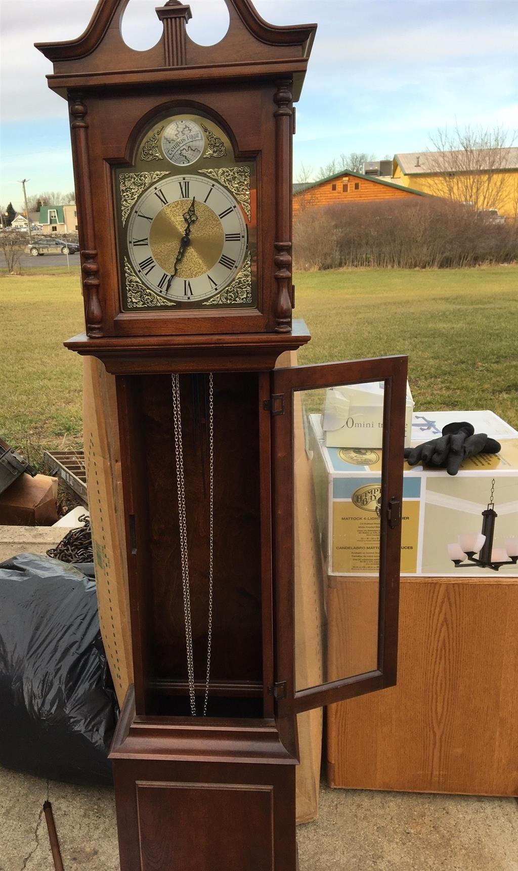 howard miller vintage grandfather clock model 610 - Howard Miller Grandfather Clock
