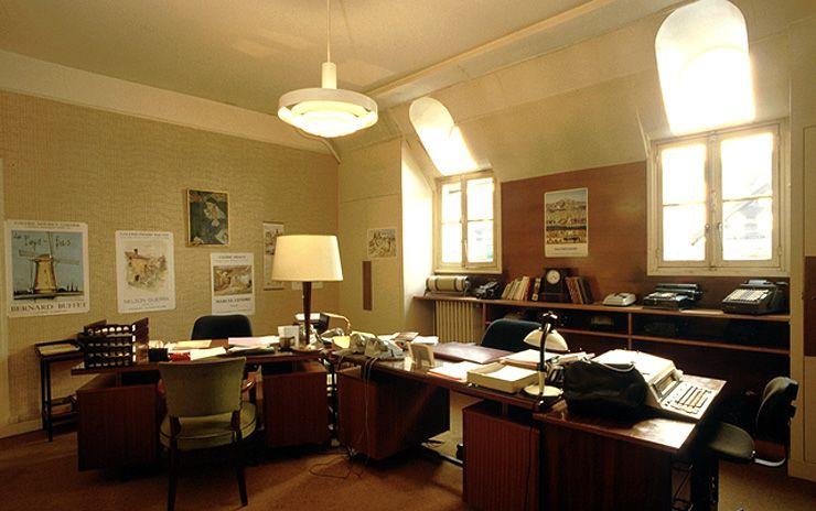 minist re des finances un bureau du personnel le louvre et le minist re des finances. Black Bedroom Furniture Sets. Home Design Ideas