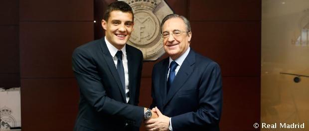 2015 - Kovacic firmó su contrato con el Real Madrid