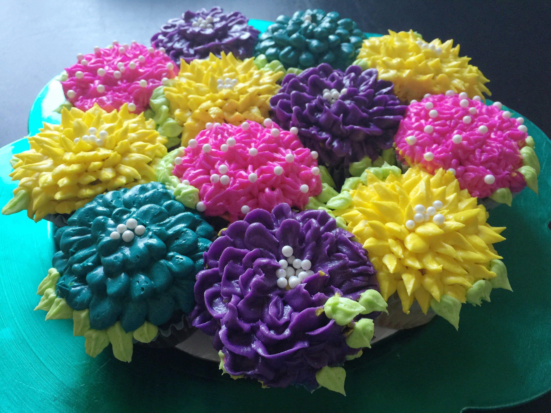 DIY pull apart cupcake flower bouquet | Mother\'s Day | Pinterest ...