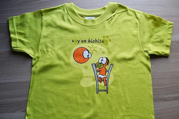 Camiseta niño y luna
