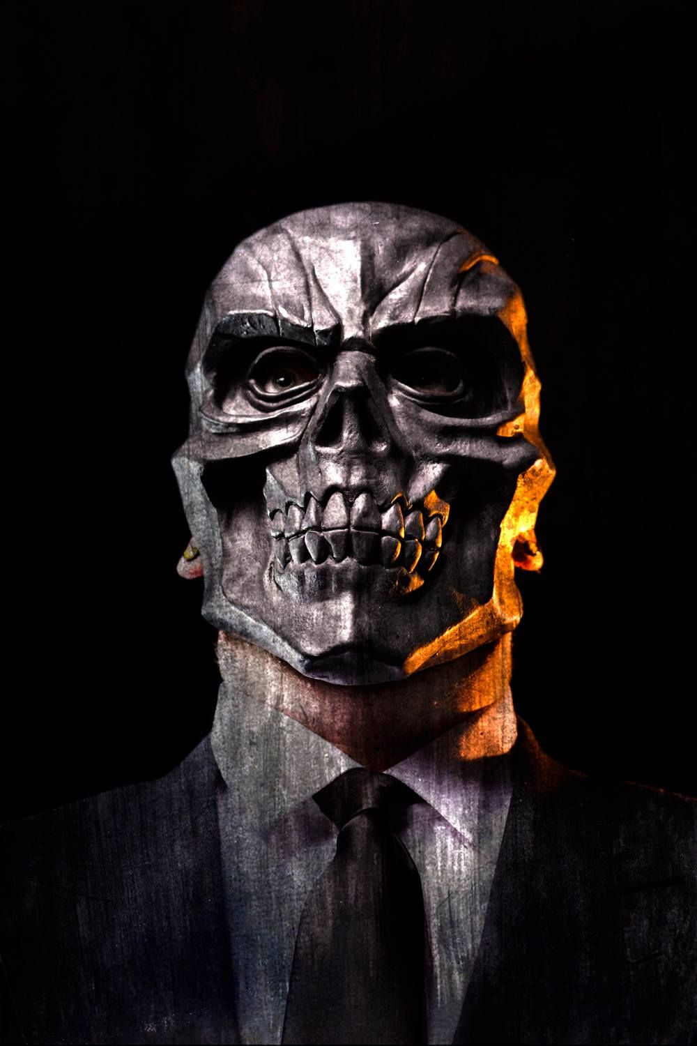 black skull mask batman