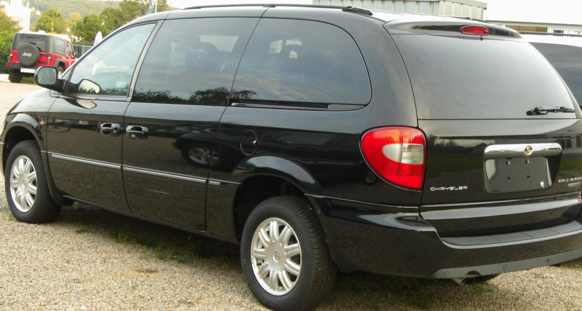 Chrysler Grand Voyager Photos And Specs Photo Grand Voyager Chrysler New And 26 Perfect Photos Of Chrysler Grand Voyager Chrysler Chrysler Voyager Voyage
