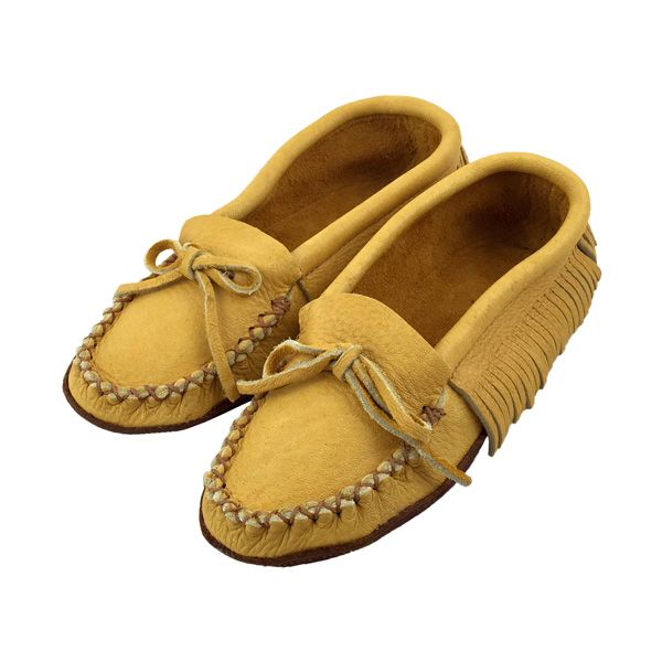 d680492b078 Women s Moosehide Leather Fringed Moccasins 130F