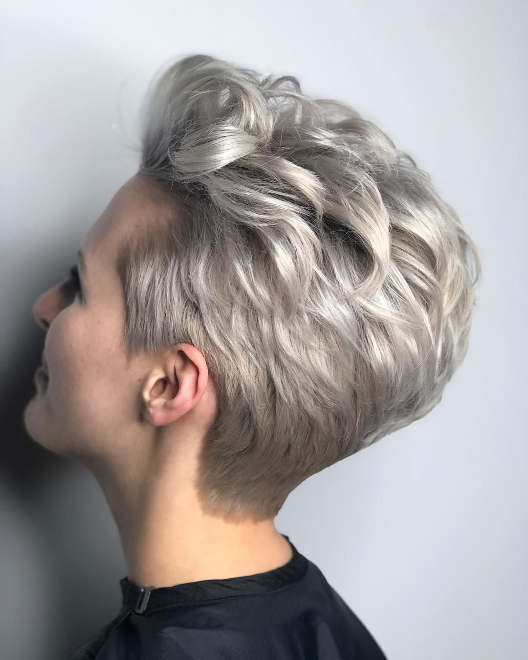 40 Pretty Pixie Hairstyles (April 2019 Collection)