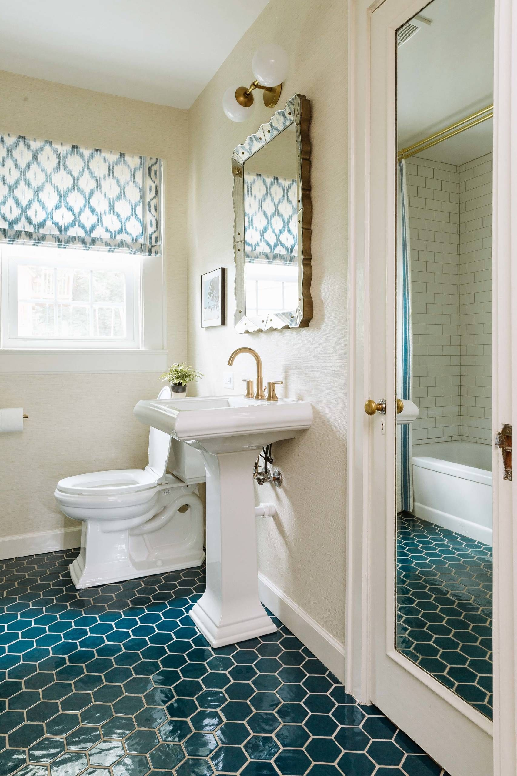 42 Chic Design Ideas To Rejuvenate Your Master Bathroom Best