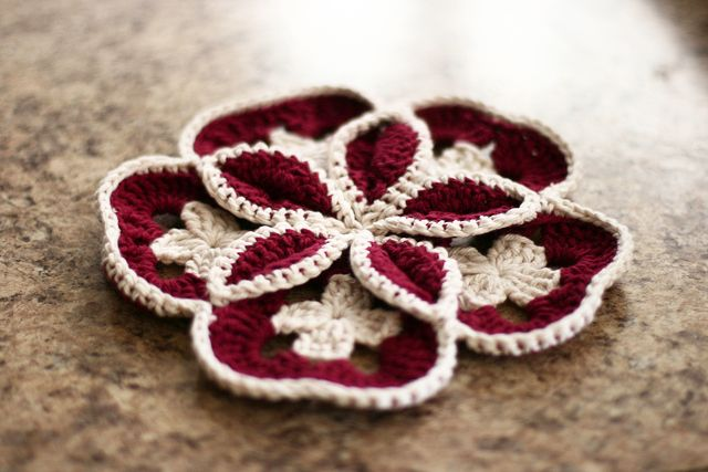 gorgeous crochet flower!  love the use of color