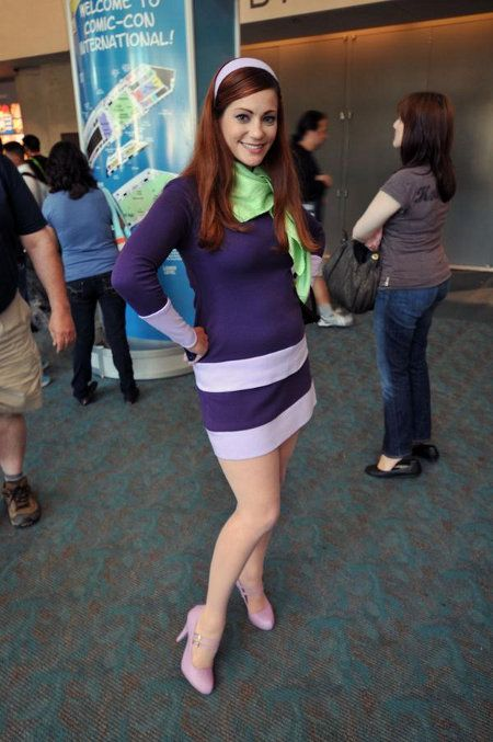 Velma may be my favorite but this daphne is rocking my world right now cosplay - Daphne dans scooby doo ...