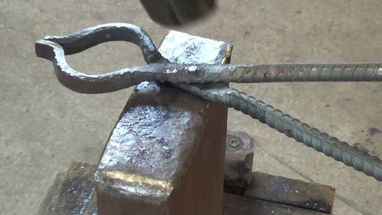 How To Forge A Pair Of Blacksmithing Tongs Out Of Rebar