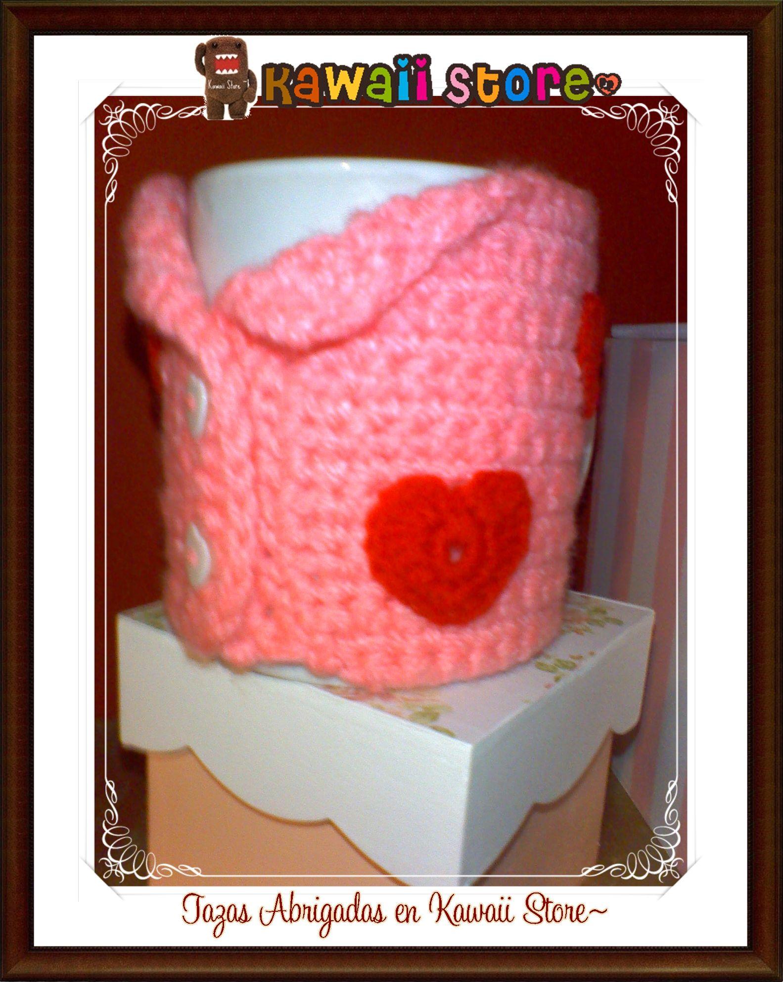 Tazas Abrigadas Utiles y Decorativas Realizados Artesanalmente en Crochet y Porcelana o Ceramica. Decora tu casa. Son Tendencia! Son Moda! No dejes de tenerlos <3 en Kawaii Store los tenemos para vos <3