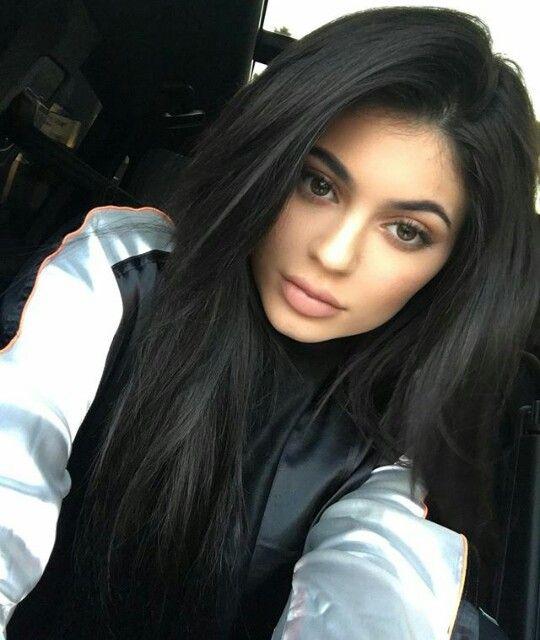 Kylie Jenner Wine Hair Wine Hair Color Hair Color Burgundy