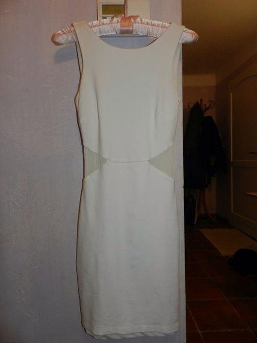 Robe blanche moulante zara