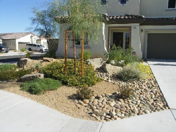 30 Photos Of Front Yard Desert Landscaping With Curb Appeal Front Yard Landscaping Design Xeriscape Front Yard Small Front Yard Landscaping